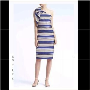 Banana Republic Size 6 Bow Shoulder Stripe Dress
